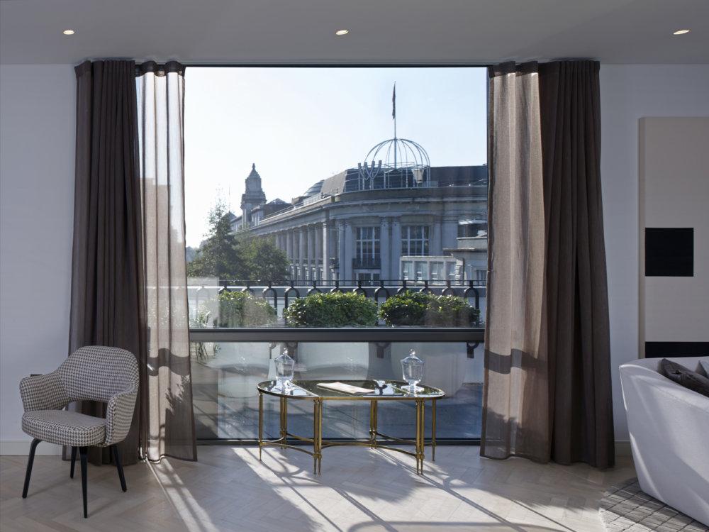 Stiff + Trevillion unveil landmark building for Derwent, Queens Building W2